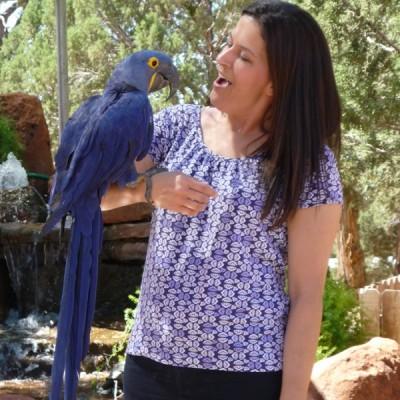 Lynne Seibert with Hyacinth Macaw